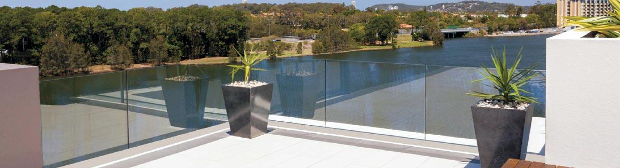 aluabi-carpinteria-aluminio-balaustresycolumnas-viewglass-instalacion